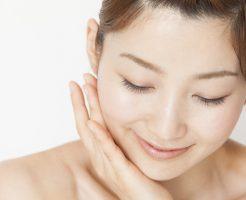 顔のシワとたるみが改善する食品・顔筋肉・かかと落とし